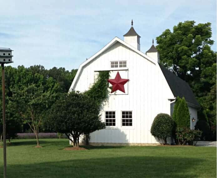 barn with red star